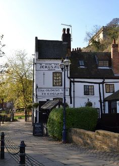 Jerusalem Pub, Nottingham, claims to be the oldest drinking establishment in England. Its painted sign states that it was established in 1189 AD.