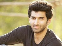 Younger Bollywood actor Aditya Roy Kapur now has latest roumers about his upcoming entry in an adventure pedestal television show as host but officially confirmation did not give by actor himself. Celebrity Gossip, Celebrity News, Celebrity Crush, Cheap Concert Tickets, Roy Kapoor, T Play, Tv Presenters, Movie Wallpapers
