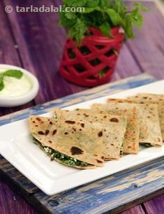 A really nutritious combination of iron-rich fresh greens and paneer, which is packed with calcium, vitamin b2 and protein. Serve with fresh curds for a wholesome and filling breakfast.