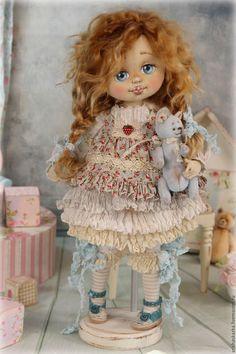 Купить или заказать Ягодка . Кукла авторская текстильная art doll в интернет-магазине на Ярмарке Мастеров. Участвую в конкурсе 'Образцовый магазин ' ,кнопочка справа вверху www.livemaster.ru/arishaskazka Спасибо за ваши голоса !!!!!!!!!!!!!!!!!!!!!!!!!!!!!!!!!! Ягодка -ещё одна шаловливая девчонка в моём кукольном саду . Маленькая девочка появилась на свет и принесла в этот мир маленький кусочек детства ,света и теплоты . МАСТЕР-КЛАССЫ и ВЫКРОЙКИ www.livemaster.
