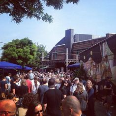Raus auf die Straße und feiern!' ZAKK Straßenfest