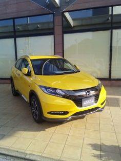 SUVで2015年から2年連続でもっとも売れたホンダのヴェゼルVEZEL 確かにかっこいいしかも黄色がカッコいい 目立ちすぎるけどだんだん乗りたくなってきた  #ホンダ #honda #黄色い車 tags[福岡県]