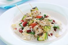 Flavoured with rosemary and garlic, these lightly marinated low-fat skewers are ready in a matter of minutes. Serve with Craisin and almond pilaf for a complete weeknight meal. Chicken Skewers, Marinated Chicken, Chicken Marinades, Chicken Recipes, Green Zucchini, Whole Food Recipes, Cooking Recipes, Rice Side Dishes, Spinach Stuffed Chicken