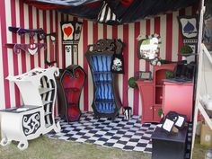 Our booth at this years WGT - the Wave and Gothic meeting in Leipzig/Germany. Cute Furniture, Gothic Furniture, Goth Home Decor, Boho Decor, Halloween Bedroom, Nightmare Before Christmas Halloween, Christmas Room, Lp Storage, Record Storage