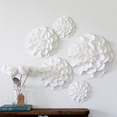 Giant wall flowers made out of felt...LOVE THEM!!!!!!!!!!