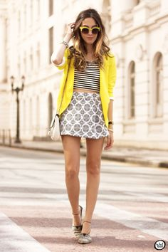 FashionCoolture - 12.08.2015 look du jour Displicent mix of prints black and white pop of color (1)