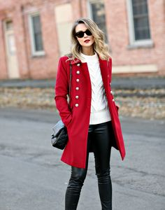 New Wardrobe Write Fashion Articles With Ease, And Start Walking Down The Article Runway To Success Red Winter Coat, Winter Coat Outfits, Fall Coats, Red Coats, Raincoats For Women, Outerwear Women, Jackets For Women, Style Casual, Tweed Vest