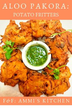 A classic Pakistani appetizer = ALOO PAKORA. A savory, fried snack with a satisfying crunch and tons of flavor! Halal Recipes, Indian Food Recipes, Italian Recipes, Cooking Recipes, Ethnic Recipes, Cooking Videos, Veggie Recipes, Cooking Tips, Pakistani Dishes