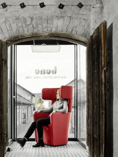 A former bell foundry in the north of Salzburg, now home to numerous shops and companies, is the also the location of the new Bene showroom. Showroom, Interior, Office Designs, Salzburg, Furniture, Shops, Home Decor, Tents, Decoration Home