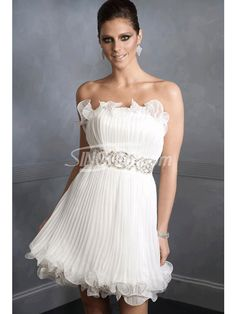 Chic Strapless White Organza Pleat Homecoming Dress