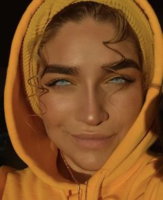 Minus the thick eyebrows. <- What do you mean minus the thick eyebrows? She's gorgeous with them or without them! Gorgeous Eyes, Pretty Eyes, Cool Eyes, Stunningly Beautiful, Pretty People, Beautiful People, Beautiful Models, Thick Eyebrows, Eye Brows
