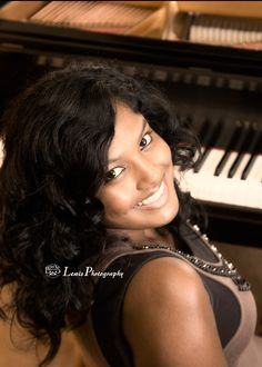 pianists portraits | Lewis Photography: Sarah - Madison West High School Senior Photography ... Piano Photography, Musician Photography, Senior Photography, Photography Portraits, Senior Portraits Girl, Girl Senior Pictures, Senior Girls, Senior Posing, Senior Session