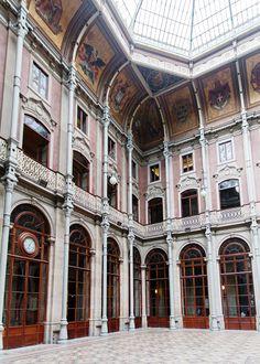 palacio da bolsa in porto, portugal | city guide via coco kelley