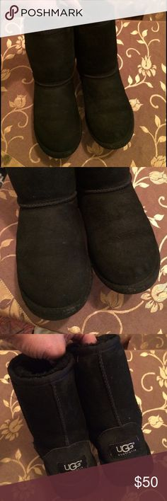 Only👉$40 if you use offer button 💯% authentic , genuine sheepskin , short classi ugh Australia boots Like new condition wore around the house nber outside, the trim fabric have a light scuff from normal wear , super cute , super cozy and comfy  can be your little one slippers around the house or their regular winter boots , their feet will never feel cold ,if you have any question please ask before you buy , no tag for tickling issue 👍 UGG Shoes Rain & Snow Boots