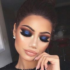 Eye Makeup Tips.Smokey Eye Makeup Tips - For a Catchy and Impressive Look Glam Makeup, Blue Eye Makeup, Eye Makeup Tips, Smokey Eye Makeup, Eyeshadow Makeup, Beauty Makeup, Navy Blue Makeup, Navy Blue Eyeshadow, Prom Makeup Blue Dress