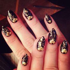 Demi Lovato nails the baroque manicure. Get it?