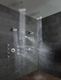 12 Awesome Black Shower Tile Ideas For Bathroom Inspiration if your bathroom is not tiled, your shower area must be because the tiles are very comfortable to use, clean, and look cool. Today I want to share the … Gray Shower Tile, Master Bathroom Shower, Black Shower, Simple Bathroom, Neutral Bathroom, Parisian Bathroom, Relaxing Bathroom, Bathroom Canvas, Bathroom Taps