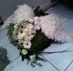 florystyka funeralna aranżacja - Szukaj w Google Casket Flowers, Grave Flowers, Cemetery Flowers, Funeral Bouquet, Funeral Flowers, Funeral Caskets, Cemetery Decorations, Casket Sprays, Funeral Flower Arrangements