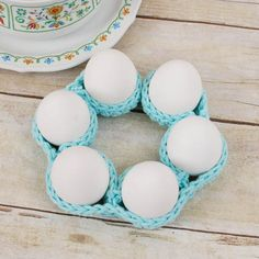 Super easy egg cozy gives you a great decor bang for your efforts! thanks so for share xox