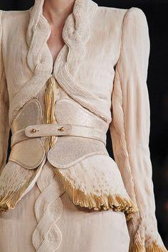 Alexander McQueen S/S 2012 v