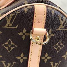 Louis Vuitton Bandoulier Speedy Bag – World Leather Design Louis Vuitton Handbags 2017, Louis Vuitton Speedy 30, Wood Creations, Leather Design, Louis Vuitton Monogram, Winter Fashion, Belt, Purses, Accessories