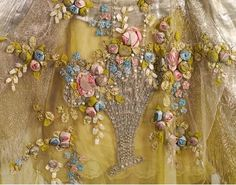 Boue Soeurs Court Presentation Dress c 1932-34 Embroidery Detail