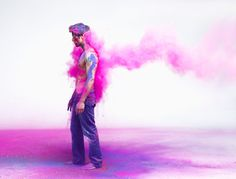 We have to say this photo project by Tara Moore looks like good fun!  via My Darkened Eyes    Fantastic Images of People Getting Pummeled with Colorful Smoke!    via My Darkened Eyes