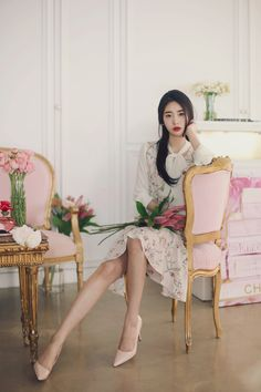 daily 2016 feminine classy look Oriental Fashion, Asian Fashion, Asian Woman, Asian Girl, Pretty Asian, Foto Pose, Poses, Korean Model, How To Look Classy