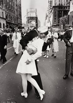 Times Square kiss at the end of World War II.