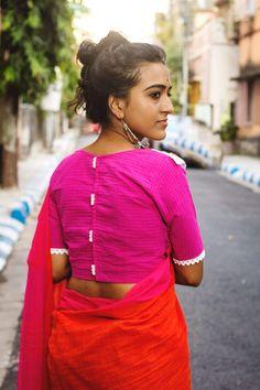 Elegant Design Sari Blouse Click VISIT link above for more detailsHow to Buy Designer Indian Sarees Choli Blouse Design, Cotton Saree Blouse Designs, Kurta Neck Design, Simple Blouse Designs, Stylish Blouse Design, Designer Blouse Patterns, Saree Fashion, Indian Fashion, Cotton Blouses