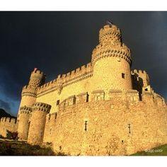 Castillo de Manzanares el Real, S.XV Madrid, Spain (photo by @dglezpastor)