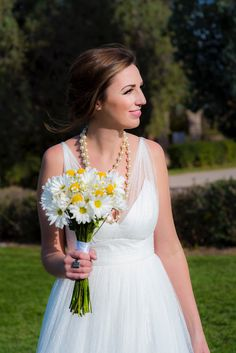 Yellow Wedding Daisies Bride Wedding Photography - Yellow Spring Wedding WTOO Wedding Gown Photo by: Modified PhotoGraphics PRESENTED BY WHITE DAISY EVENTS