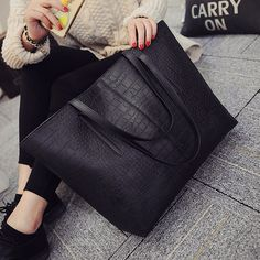 $36.50 (Buy here: https://alitems.com/g/1e8d114494ebda23ff8b16525dc3e8/?i=5&ulp=https%3A%2F%2Fwww.aliexpress.com%2Fitem%2F2016-Big-New-Women-Shoulder-Bags-Alligator-Ladies-Leather-Bags-Casual-women-zipper-handbags-Famous-Brands%2F32674710059.html ) 2016 Big New Women Shoulder Bags Alligator Ladies Leather Bags Casual women zipper handbags Famous Brands Totes black red colors for just $36.50