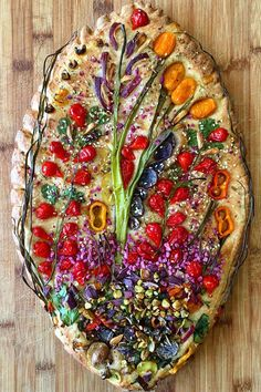 Gardenscape focaccia recipe: This is how you make the trend food yourself - The latest insta food trend is Gardenscape Focaccia. We have the recipe for the delicious bread wit - New Recipes, Vegan Recipes, Cooking Recipes, Art Du Pain, Aperitivos Finger Food, Bread Art, Rye Bread, Keto Bread, Artisan Bread