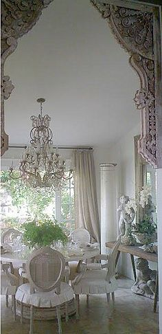 Shabby Chic Interior Design Ideas For Your Home Shabby Chic Dining Room, Shabby Chic Kitchen, Shabby Chic Cottage, Shabby Chic Style, Shabby Chic Homes, Shabby Chic Furniture, Shabby Chic Decor, White Cottage, Dining Rooms