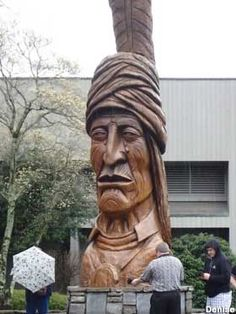 Peter Toth Giant Indian Head. Cherokee, North Carolina.