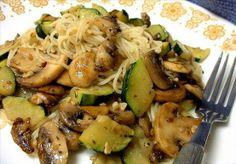 Zucchini mushroom garlic pasta - Vegan by curiousbynature