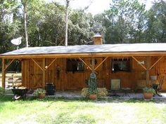 2 stall Shedrow with tack room