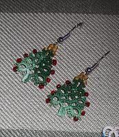 Christmas tree earrings - pattern for tree was taken from an old Work Basket magazine (Nov/Dec 1986).