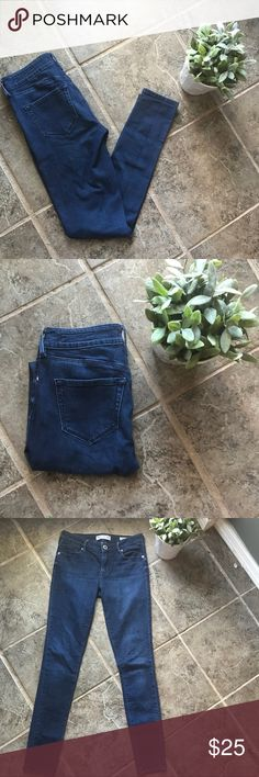 Bullhead Low Rise Skinniest Dark Wash Jeans 3 Beautiful jeans from bullhead. Dark wash, low rise skinniest. Size 3. Great condition, no signs of wear!  Smoke free home. Bullhead Jeans Skinny