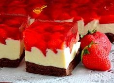cake preparation with milk cream and strawberry jelly Cake Preparation, Sweets Cake, Romanian Food, Homemade Cakes, Mini Cakes, Cake Cookies, Nutella, Sweet Tooth, Cheesecake