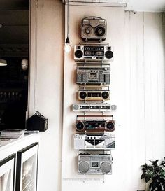 Use that old vintage tech around the home as a way to add a touch of retro industrial vintage design detail to your interior, office , work room, music studio or man cave , cool home style for muso dads Studio Interior, Office Interior Design, Office Designs, Luxury Interior, Vintage Industrial Furniture, Industrial Style, Industrial Wall Art, Industrial Design, Industrial Music