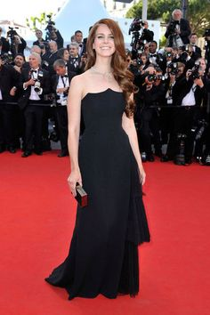 Diane, Eva, Jessica, and More Get Glam to Open Cannes: Fan Bingbing wore a patterned number on the red carpet at the opening of the Cannes Film Festival.  : Lana Del Rey wore a block gown to the opening of the Cannes Film Festival and premiere of Moonrise Kingdom.