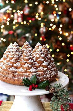 I dolci di Natale Christmas Sweets, Christmas Kitchen, Noel Christmas, Christmas Goodies, Christmas Baking, All Things Christmas, Winter Christmas, Christmas Cakes, Country Christmas