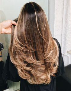 Most Popular Blonde Hair Color Looks for 2020 Brown Hair Balayage, Hair Color Balayage, Blonde Color, Blonde Hair, Blonde Beauty, Blonde Brunette, Hair Length Chart, Hair Color Highlights, Hair Colour