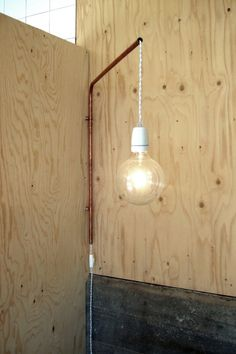 DIY lamp from a porcelain socket, textile cord and a copper tubing. Diy Luminaire, Luminaire Design, Lampe Tube, Sweden House, Estilo Interior, Copper Tubing, Copper Pipes, Brass Pipe, Creation Deco