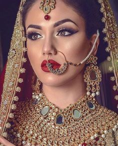 Stunning!❤️ Photography: @omjphotography Hair & Makeup: @selinamanir Jewelry: @jewels_gems #indian_wedding_inspiration