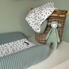 46 Likes, 1 Reaktionen – Muffie & Snuffie ( auf Instagra … - Decoupage Baby Bedroom, Baby Boy Rooms, Baby Room Decor, Kids Bedroom, Colorful Decor, Colorful Interiors, Baby Vans, Baby On The Way, Kid Beds