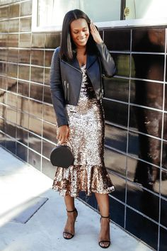 It's Sparkle Season: How to Style a Sequin Dress Casually - Le Fab Chic Black Girl Fashion, Boho Fashion, Fashion Outfits, Sequin Outfit, Sequin Dress, Cute Skirt Outfits, Dress Outfits, Cheap Dresses, Casual Dresses