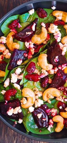 Beet Salad with Spinach, Cashews, and Goat Cheese salad salad salad recipes grillen rezepte zum grillen Healthy Salad Recipes, Vegetarian Recipes, Cooking Recipes, Vegetarian Salad, Summer Salad Recipes, Clean Eating, Healthy Eating, Healthy Food, Summer Salads